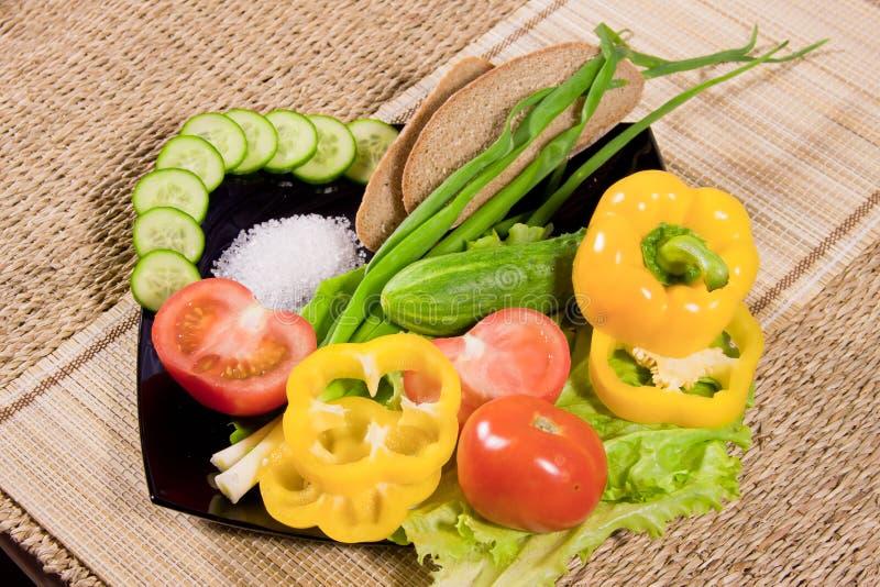 Овощи с greenery, хлебом рожи стоковое фото rf