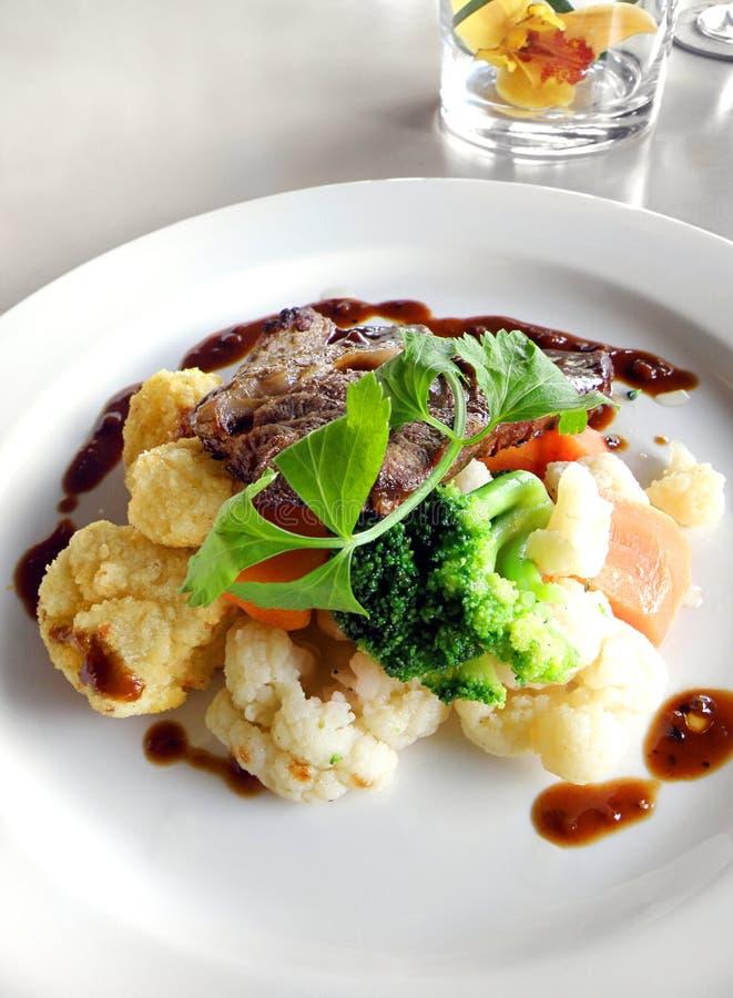 овощи тарелки говядины органические стоковое фото