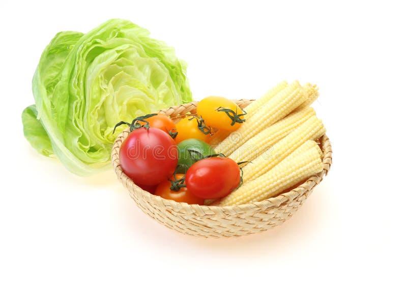 Овощи для салата в белой предпосылке стоковое фото rf