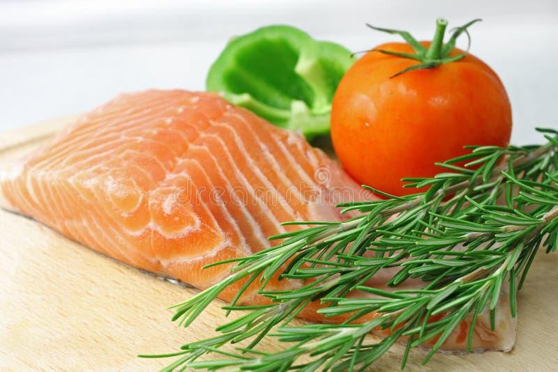 овощи salmon стейка стоковые фото