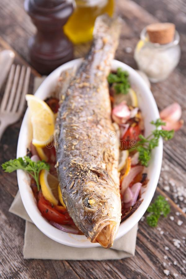 овощ зажженный рыбами стоковые изображения rf
