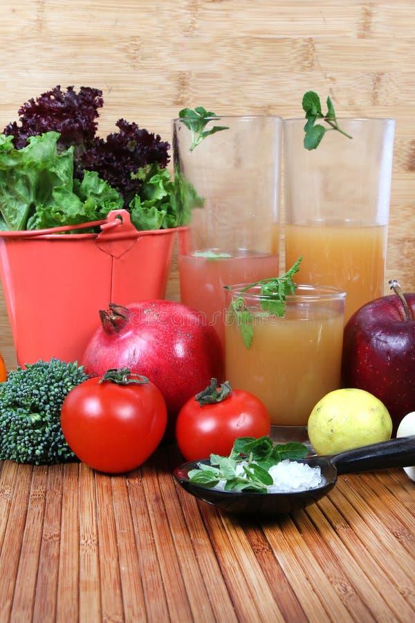 Овощ и фруктовые соки стоковая фотография