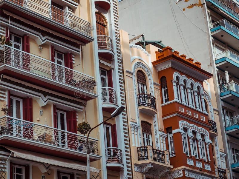 Оглушать архитектура и красота зданий в центре Thesaloniki - Греции стоковые фотографии rf