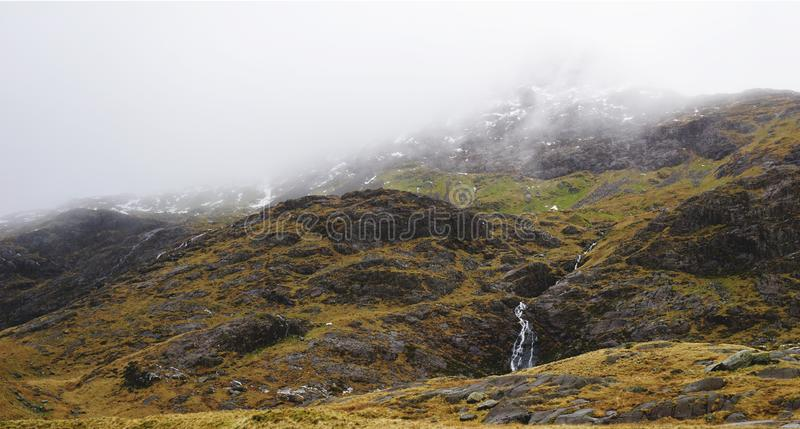 Оглушать горы в Snowdon, Уэльс, Великобритании стоковые изображения rf