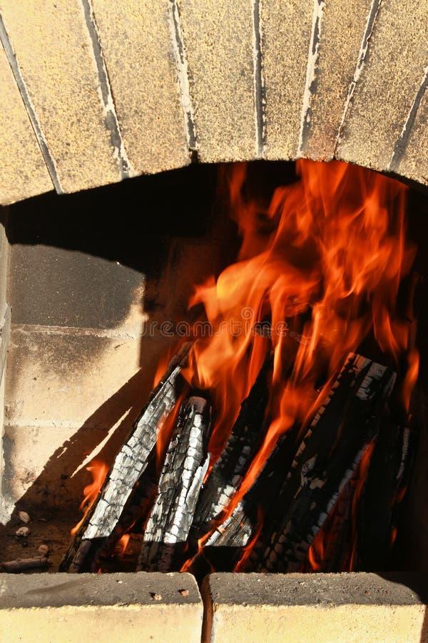 Огонь в печи стоковая фотография rf