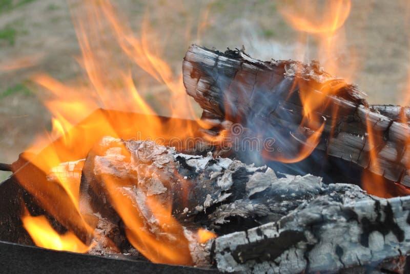 Огонь гриля стоковое изображение