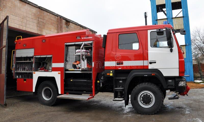 Огонь и автомобиль спасения стоковые фото