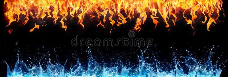 Огонь и вода на черноте стоковое изображение