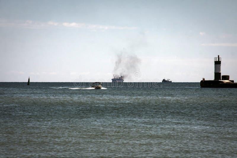 Огонь на торговом судне стоковое фото rf