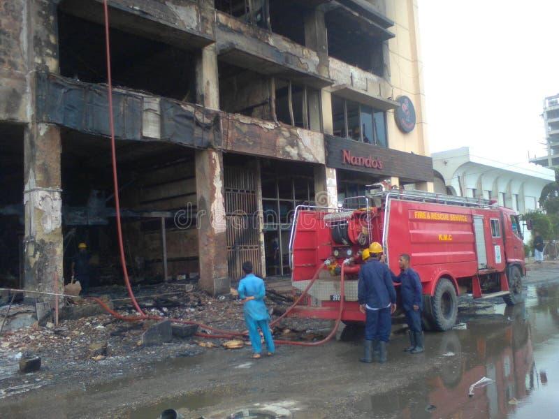 Огонь произвел эффект здание стоковые изображения rf