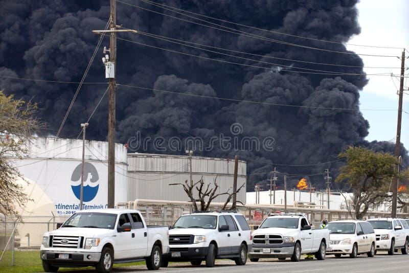 Огонь рафинадного завода в Хьюстон Техасе стоковая фотография rf