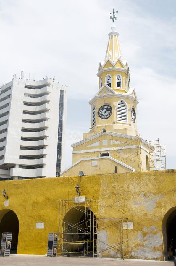 огороженная башня Колумбии часов города cartagena стоковые фотографии rf