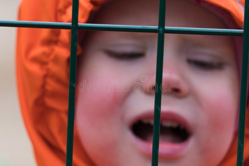 Ограничивать свободы детей стоковое изображение rf
