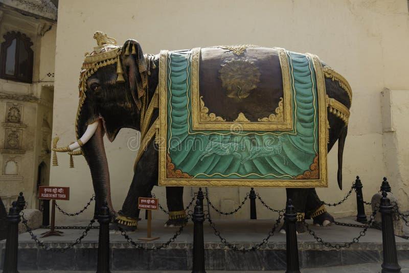 Огромная богато украшенная статуя индийского слона стоковые фото