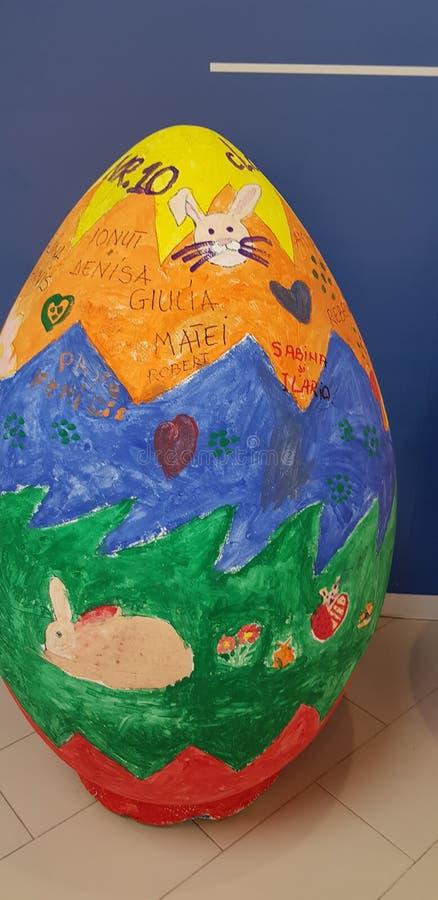 Огромное яичко стоковое изображение
