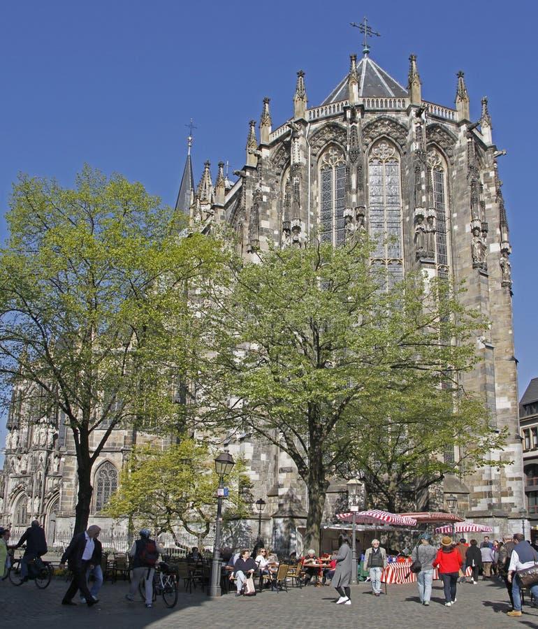 Огромный готический собор в немецком городе Аахен стоковое изображение rf