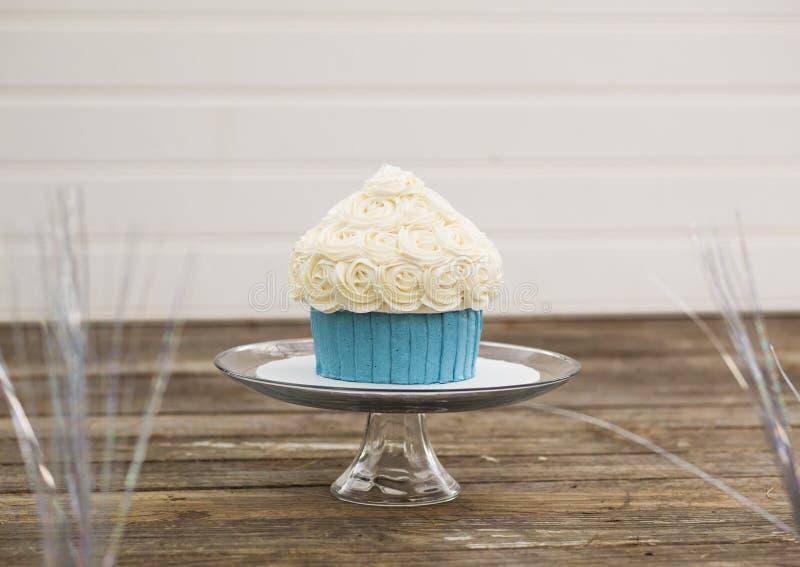 Огромный успех торта стоковые фотографии rf