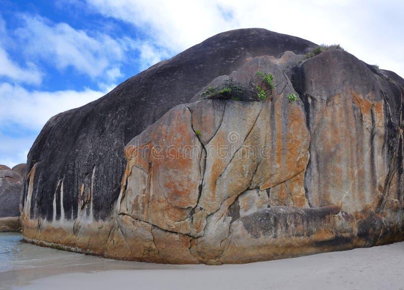 Огромный утес гранита: Бухта слона, западная Австралия стоковые изображения rf