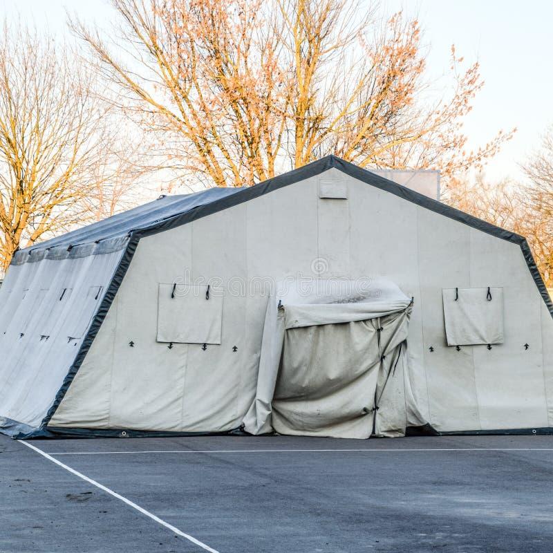 огромный шатер для большой группы людей стоковая фотография