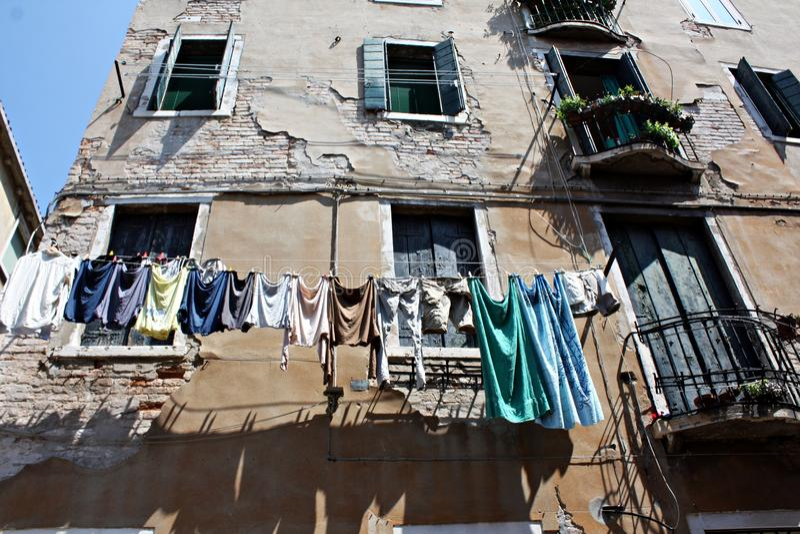 Одежды засыхания в Vinece, Италии стоковые изображения rf