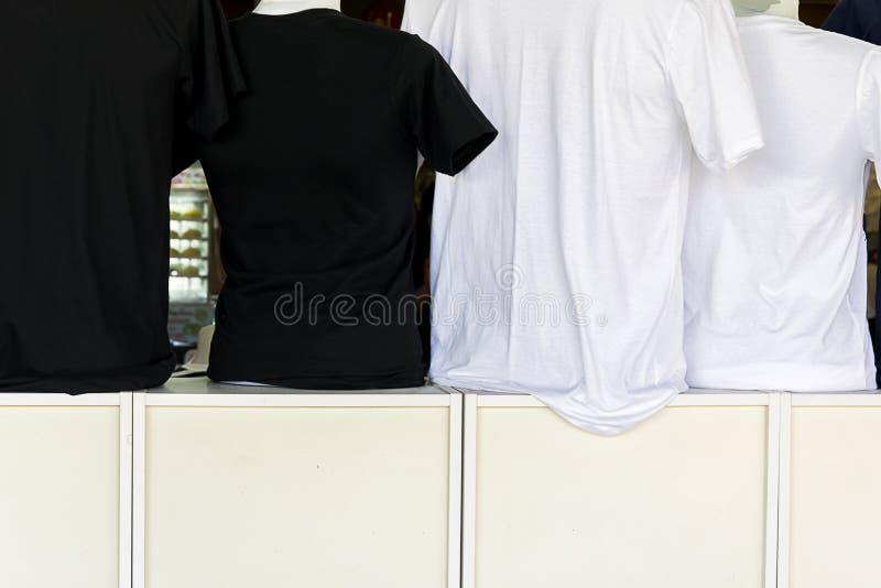 Одежды очень важны для скрывать тело стоковое фото rf