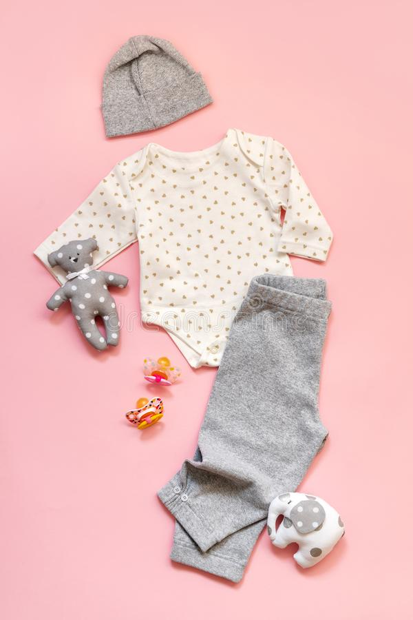 Одежды ребёнка Newborn младенца установили шляпу брюк Bodysuit стоковая фотография