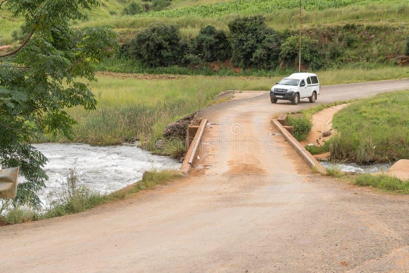 Одиночный мост майны над рекой Mlambona около Emmaus стоковое изображение