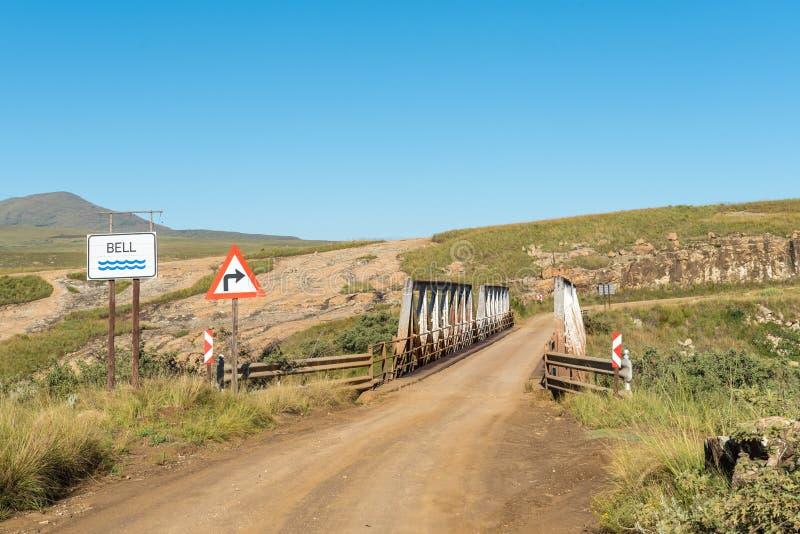 Одиночный мост майны на дороге R396 над рекой колокола стоковые изображения rf