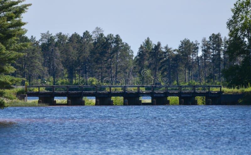 Одиночный мост майны стоковые фотографии rf
