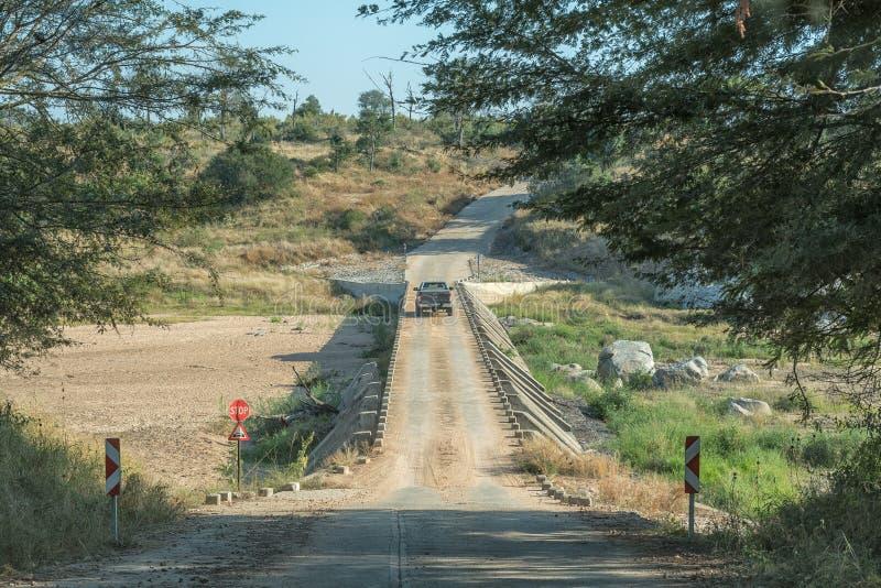 Одиночный мост отлива майны над рекой Bume стоковые изображения rf