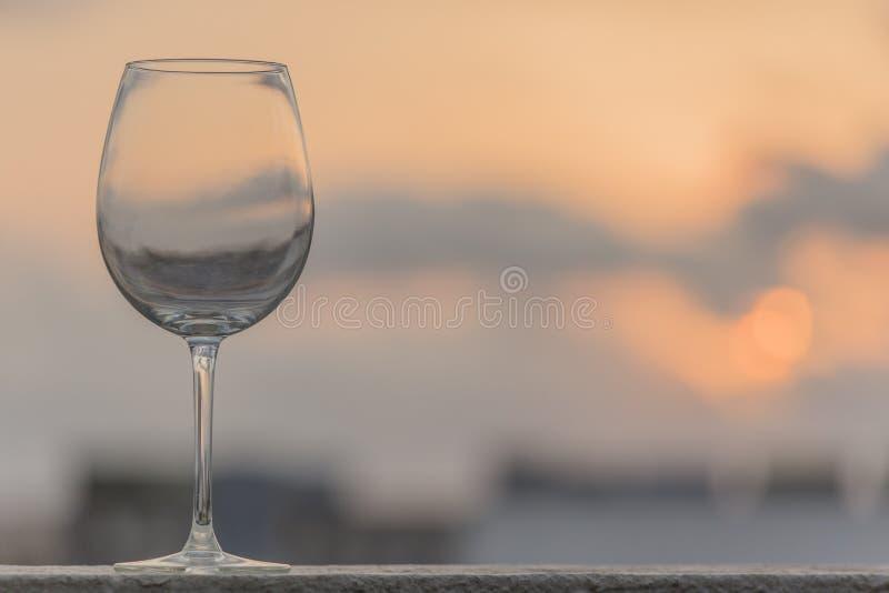 Одиночный пустой восход солнца бокала и нерезкости стоковые изображения