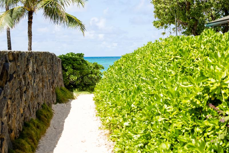 Один из канала доступа пляжа 5 Lanikai стоковые изображения
