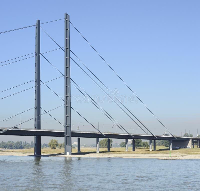 Один из моста в Дюссельдорф в Германии стоковое фото