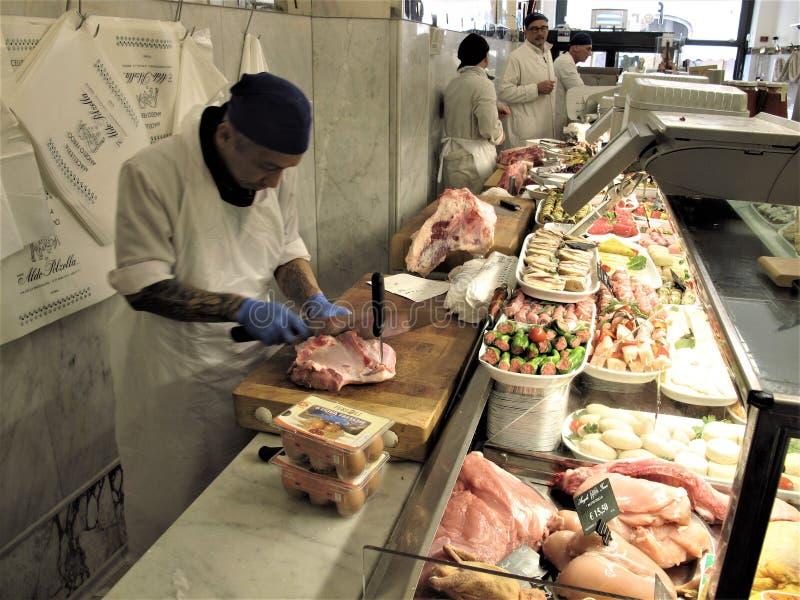 Один из самого лучшего магазина мясников в Риме стоковое изображение rf