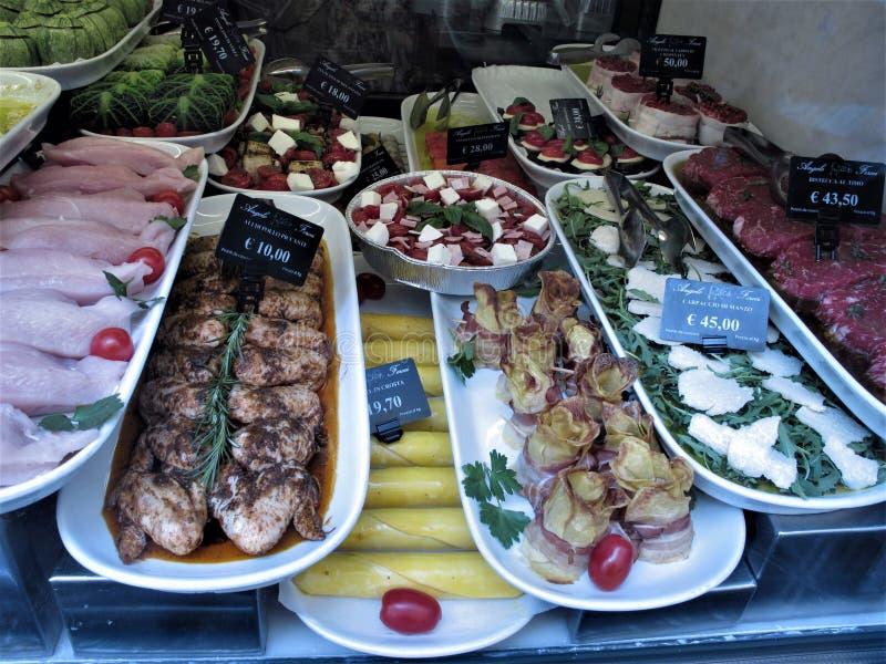 Один из самого лучшего магазина мясников в Риме стоковые фото