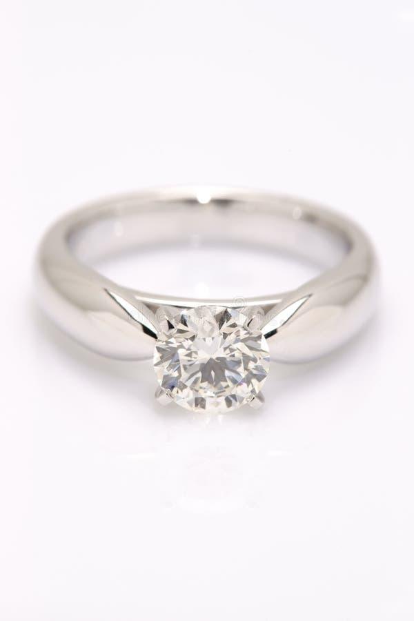 Один Solitaire диаманта карата. стоковые изображения rf