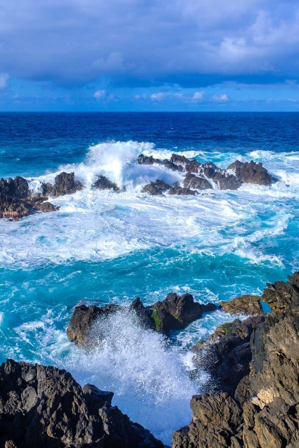 Одичалое море в Порту Moniz стоковые изображения