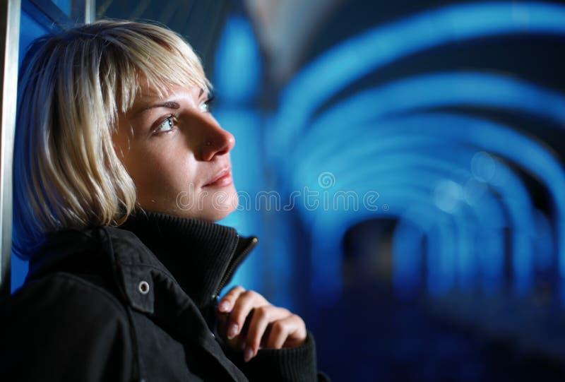 одна женщина стоковое фото rf