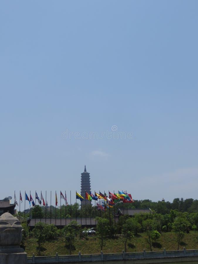 Одна из башен в Bai Dinh стоковые изображения rf