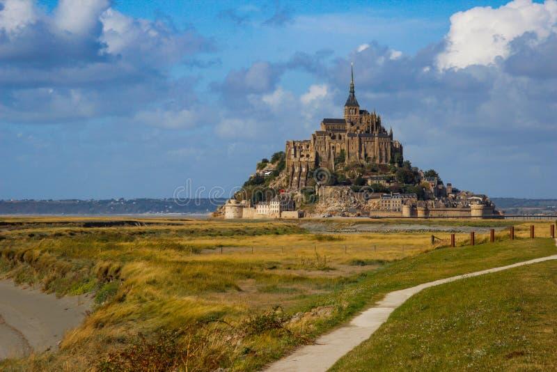 Одно из самых известных мест в великобританской Франции средневековое аббатство Святого Мишеля - монастыря стоковое изображение