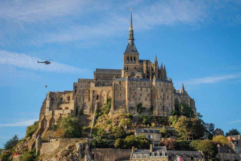 Одно из самых известных мест в великобританской Франции средневековое аббатство Святого Мишеля - монастыря стоковое фото