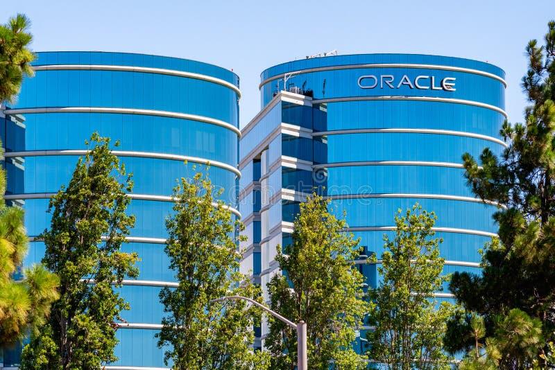 1-ое августа 2019 Redwood City/CA/США - штабы Oracle корпоративные в Кремниевой долине; Oracle Корпорация транснациональная компа стоковое фото