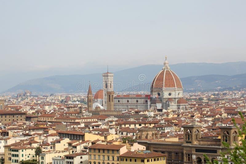 22-ое апреля 2019, Флоренс, Италия: взгляд города Флоренс от Piazzale Микеланджело с космосом экземпляра для вашего текста стоковые фотографии rf