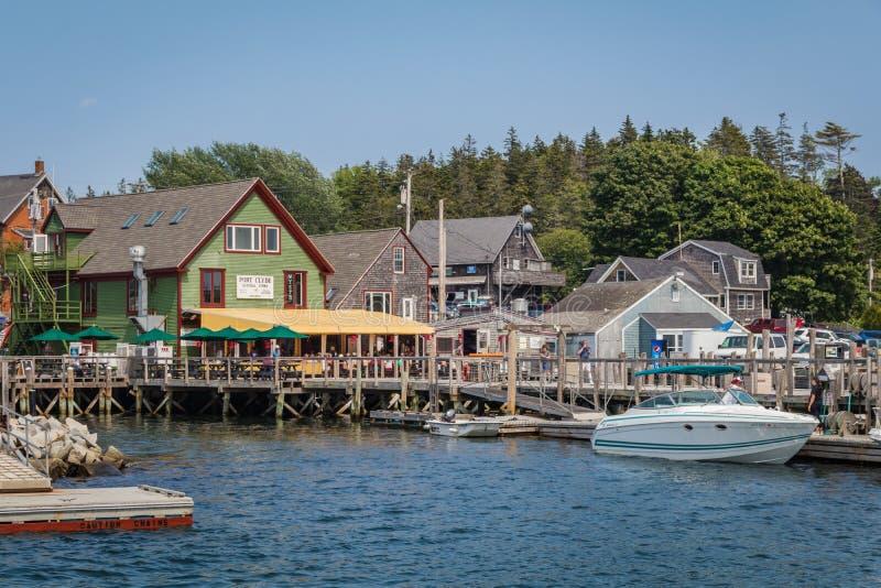4-ое июля 2019: Порт Клайд, небольшой рыбацкий поселок в прибрежном Мейне, на летний день стоковое изображение