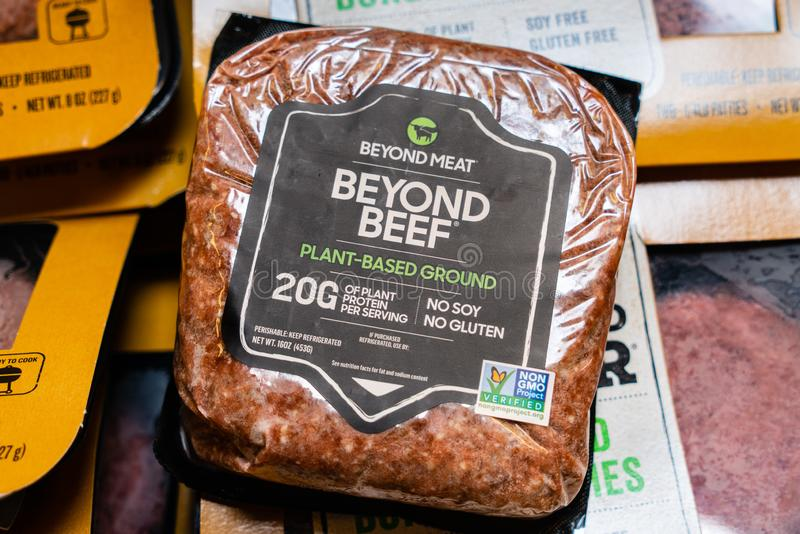 """31-ое июля 2019 Cupertino/CA/США - за землей """"мясом """"говядины основанной на Завод произвел мясом за пределами и продало в гастрон стоковые фото"""