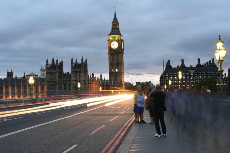 26-ое июня 2015: Лондон, Великобритания, большое Бен или большие башня с часами или дворец западного министра или парламента Вели стоковое изображение