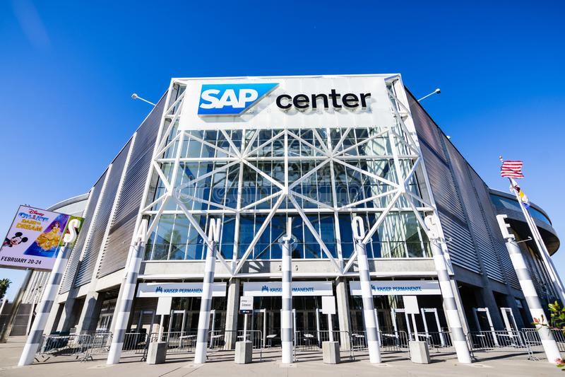 25-ое ноября 2018 Сан-Хосе/CA/США - clos здания центра SAP стоковые фото