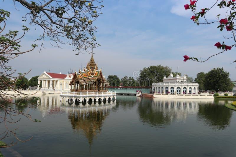 28-ое сентября, королевский дворец боли челки в Ayutthaya, Таиланде стоковые изображения rf
