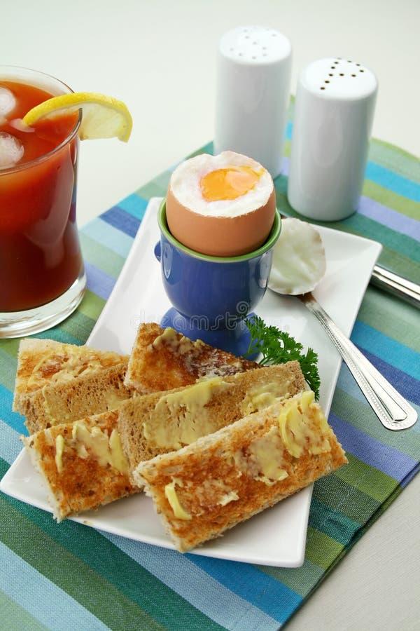 ое яичко завтрака стоковые изображения rf
