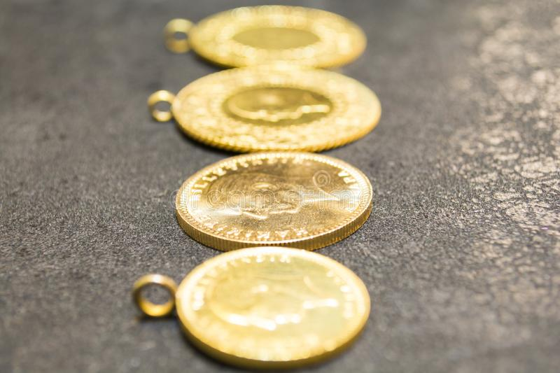 1/4 ожерелиь золотой монетки Turkish стоковое фото